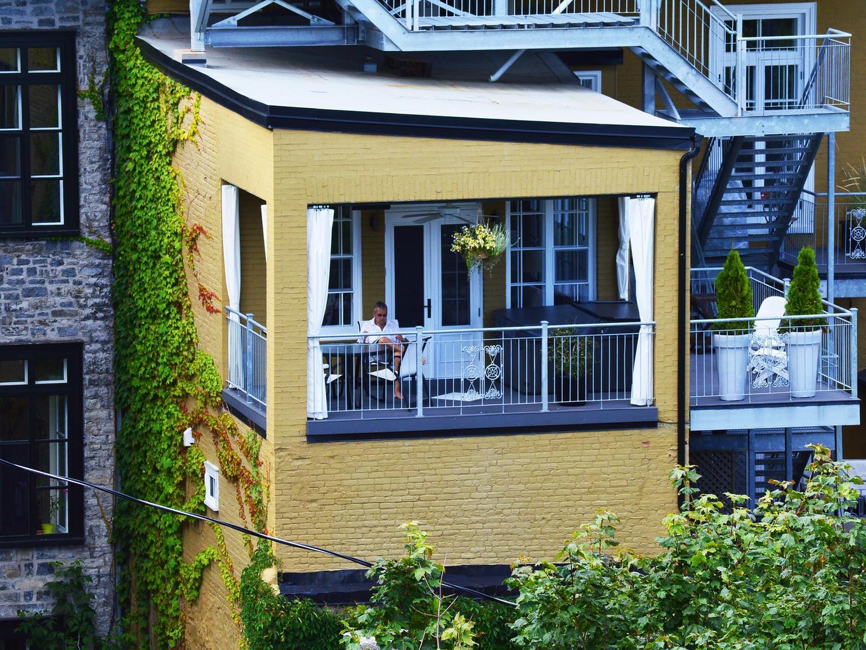dom, balkón