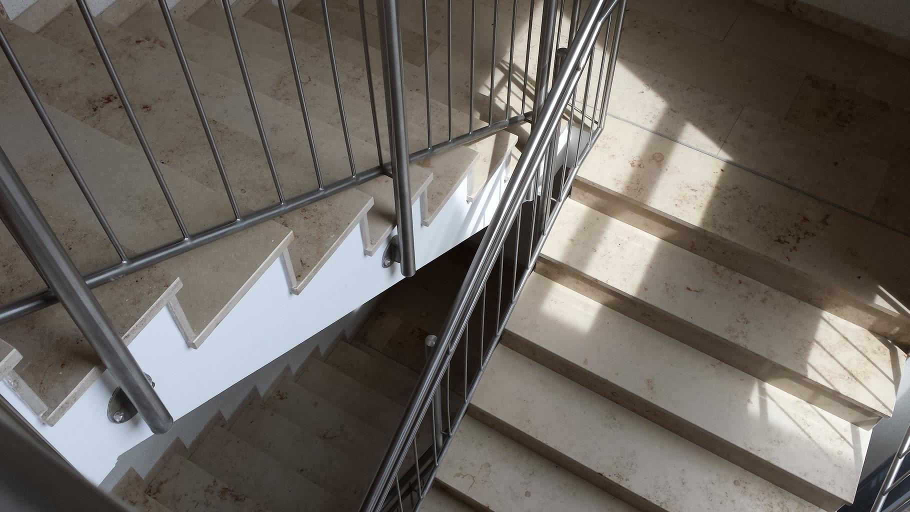 schody, zábradlie